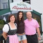 Herzliche Gästebetruung @ Hotel Alpenblick in Attersee